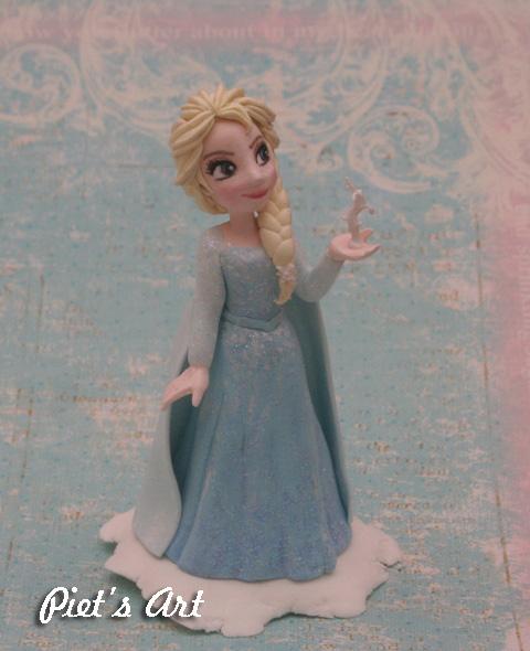 Model Baju Elsa Frozen